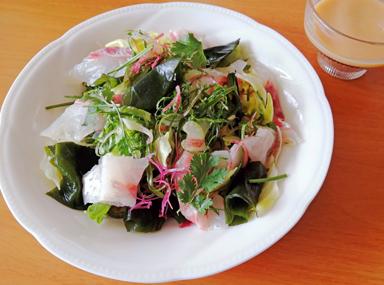 おさしみ入り海藻サラダ酢みそドレッシング